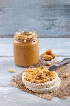 Galettes de riz au beurre d'arachide