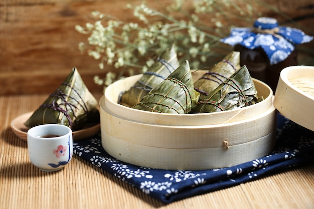 Gambas de riz au festival du bateau dragon et vin realgar
