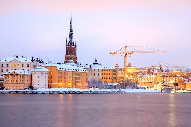 Gamla stan, vieille ville de stockholm au crépuscule suède