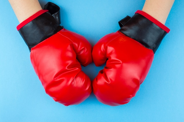 Gants de boxe et patte