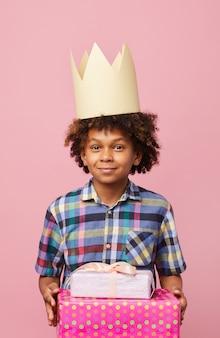 Garçon d'anniversaire afro-américain