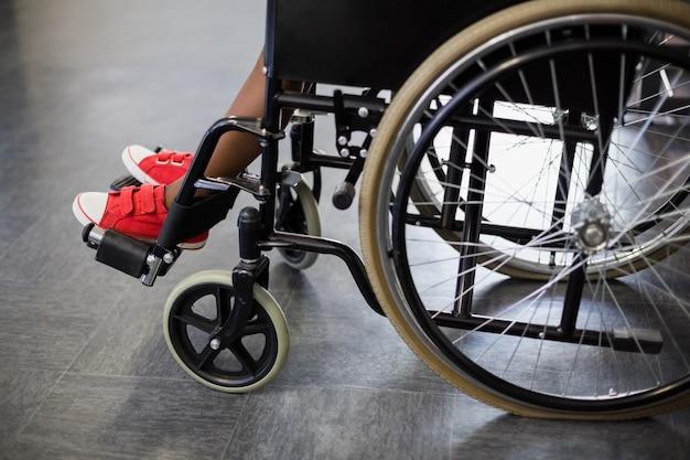 Garçon, séance, fauteuil roulant