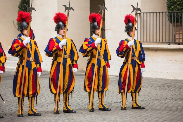 Garde pontificale suisse en uniforme