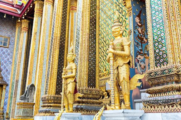 Gardes du temple wat po