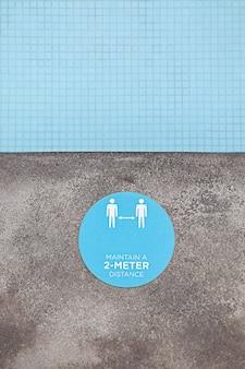 Gardez un panneau de distance de 2 mètres à la piscine