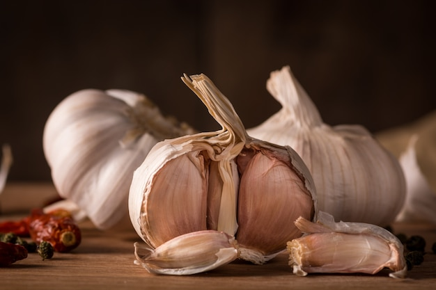 Garlics dans la cuisine
