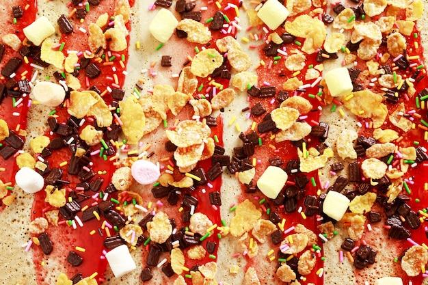 Garniture de crêpes au chocolat et aux fraises