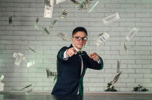 Le gars avec beaucoup d'argent