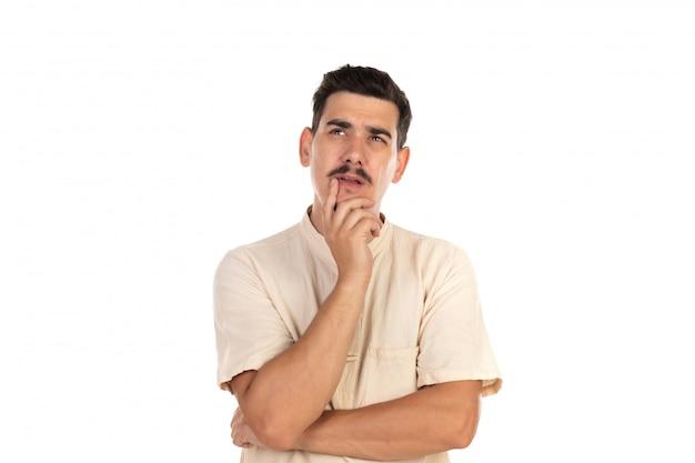 Gars pensif avec moustache