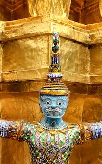 Garuda, sculpture, à, palais royal, bangkok, thaïlande