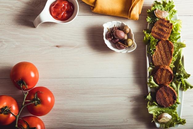Gastronomie végétalienne, le seitan est de la viande végétarienne. espace copie