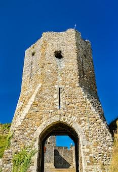 Gate au château de douvres dans le kent england, uk