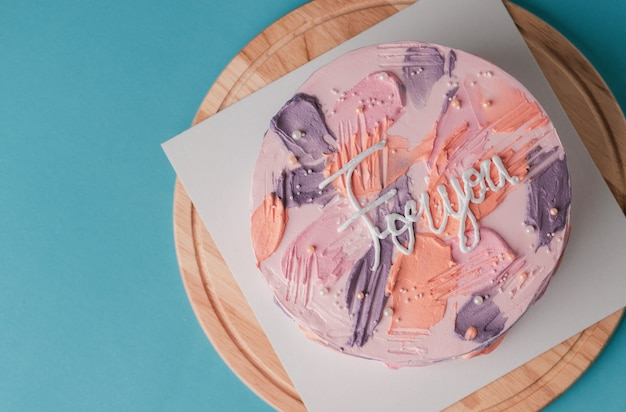 Gâteau d'anniversaire concept coloré