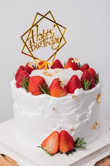 Gâteau d'anniversaire à la fraise