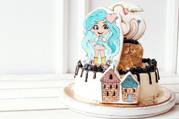 Gâteau d'anniversaire hairdorables pour filles