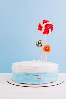 Gâteau d'anniversaire nature morte