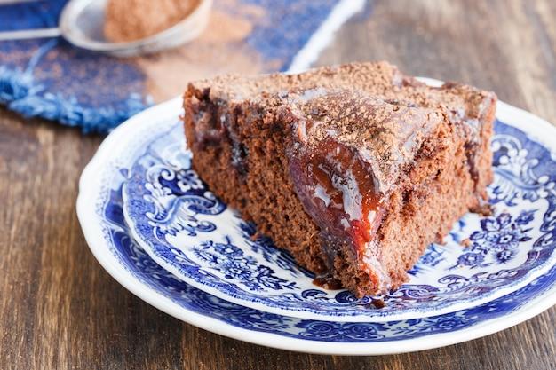 Gâteau au chocolat aux prunes