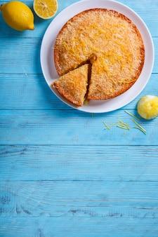 Gâteau au citron et à la noix de coco. gâteaux faits maison