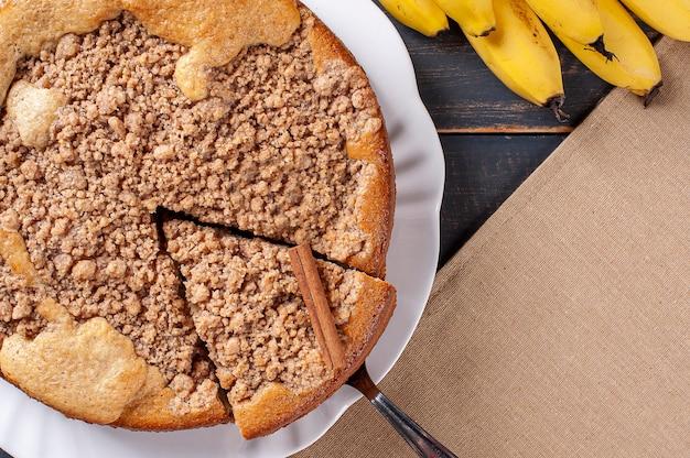 Gâteau aux bananes traditionnel brésilien appelé