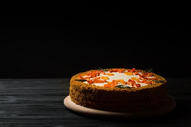 Gâteau aux carottes fait maison.