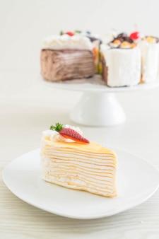 Gâteau aux fraises et crêpes