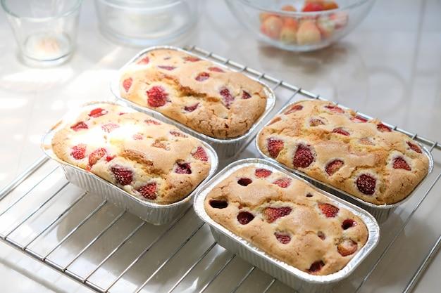 Le gâteau aux fraises fini pour divers festivals