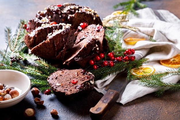 Gâteau aux fruits de noël, pouding sur fond de vacances.