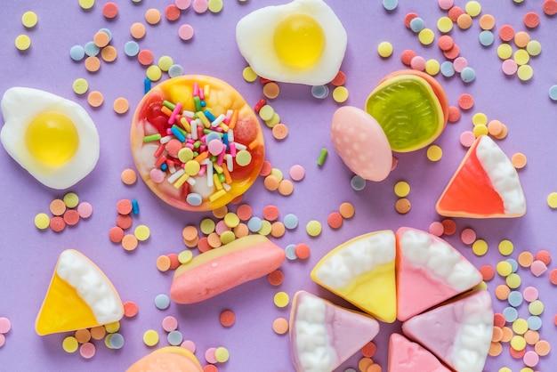 Gâteau aux gelées et bonbons
