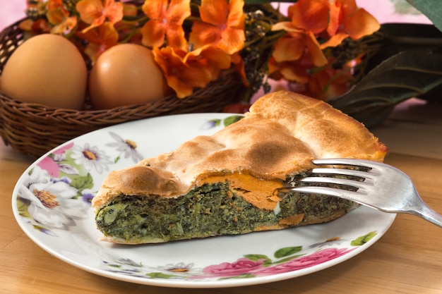 Gâteau aux légumes avec oeuf-torta pasqualina