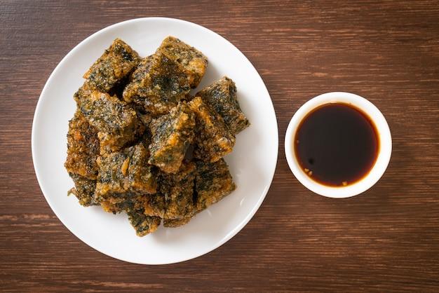 Gâteau de boulette de ciboulette chinoise frite, style de cuisine asiatique