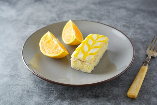 Gâteau à la bruine au citron, dessert à la croûte citron.