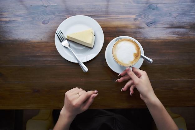 Gâteau café tasse restaurant mode de vie loisirs