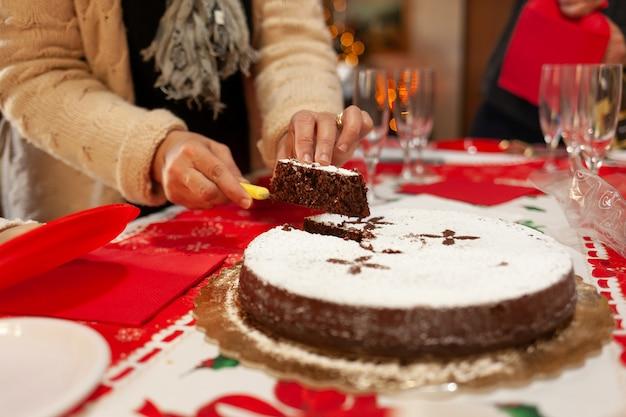 Gâteau caprese au chocolat et aux amandes.