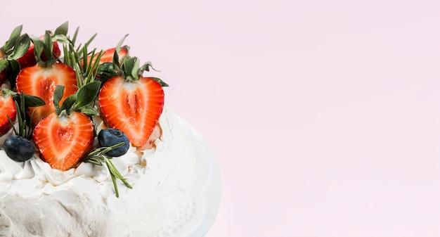 Gâteau à la crème aux fruits