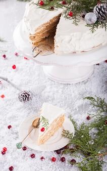 Gâteau à la crème blanche de noël et nouvel an
