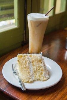 Gâteau dans un café luang prabang
