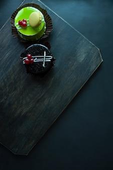 Gâteau deldelicious au chocolat et à la pistache
