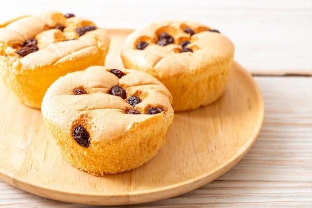 Gâteau éponge aux raisins secs