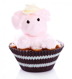 Gâteau frais et savoureux en forme de cochon