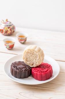 Gâteau de lune chinois macadamia et saveur de chocolat blanc pour la fête de la mi-automne