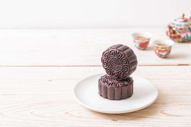 Gâteau de lune chinois saveur chocolat noir pour la fête de la mi-automne