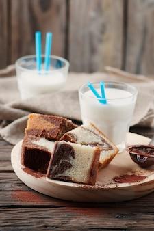 Gâteau marbré fait maison au lait
