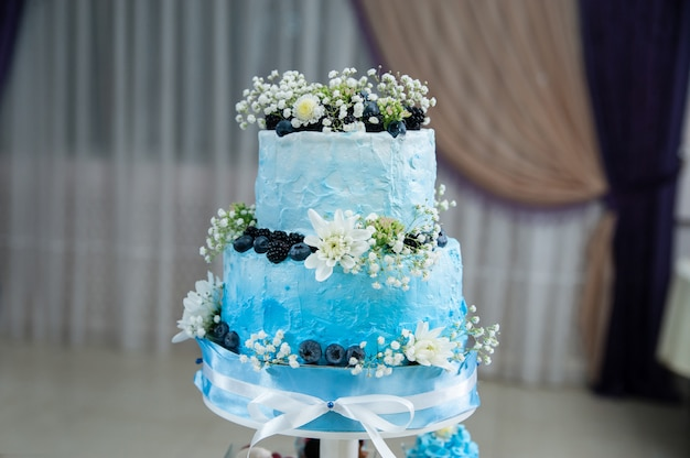 Gâteau de mariage bleu