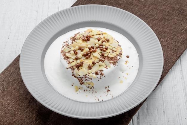 Gâteau meringué à la crème au chocolat