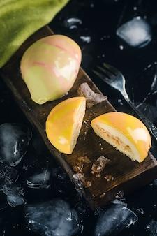 Gâteau mousse jaune