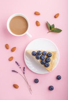 Gâteau napoléon à la crème au lait fait maison