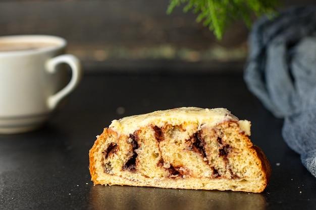 Gâteau de noël sur table noire