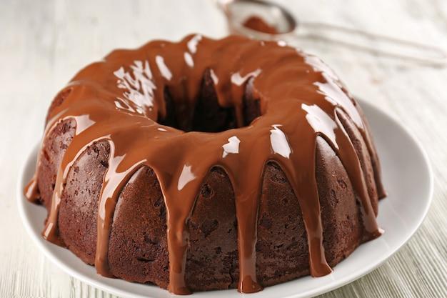 Gâteau rond sur plaque libre