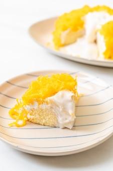 Gâteau sucré œuf-serpentine ou gâteaux au fil jaune d'oeuf d'or