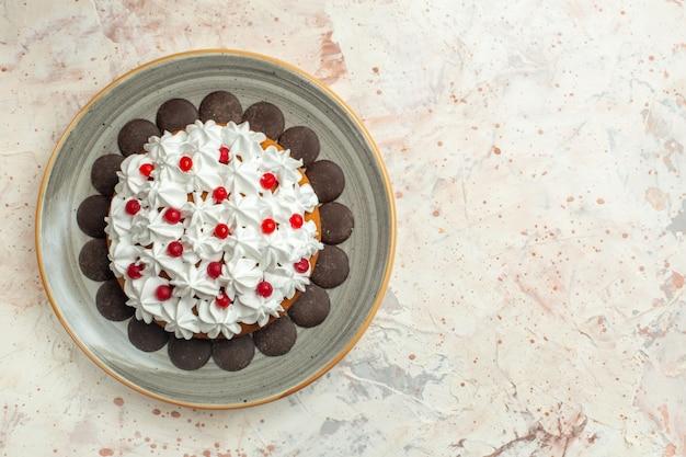 Gâteau vue de dessus avec crème pâtissière